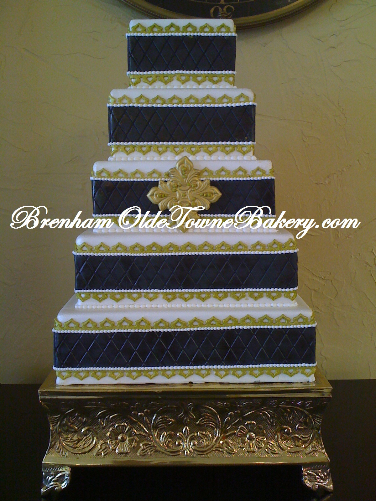 Black and Gold Wedding cake | Brenham Olde Towne Bakery