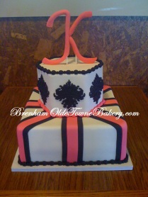 black medallion wedding cake