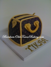 mini lv purse birthday cake