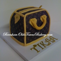 mini lv purse birthday cake