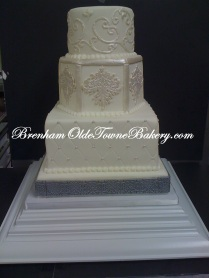 Pearl on White Wedding Cake