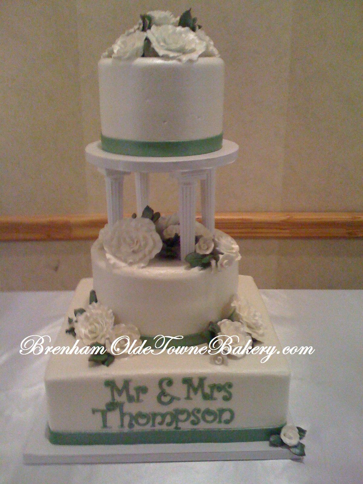Pillar Wedding Cake & Pillar Wedding Cake   Brenham Olde Towne Bakery
