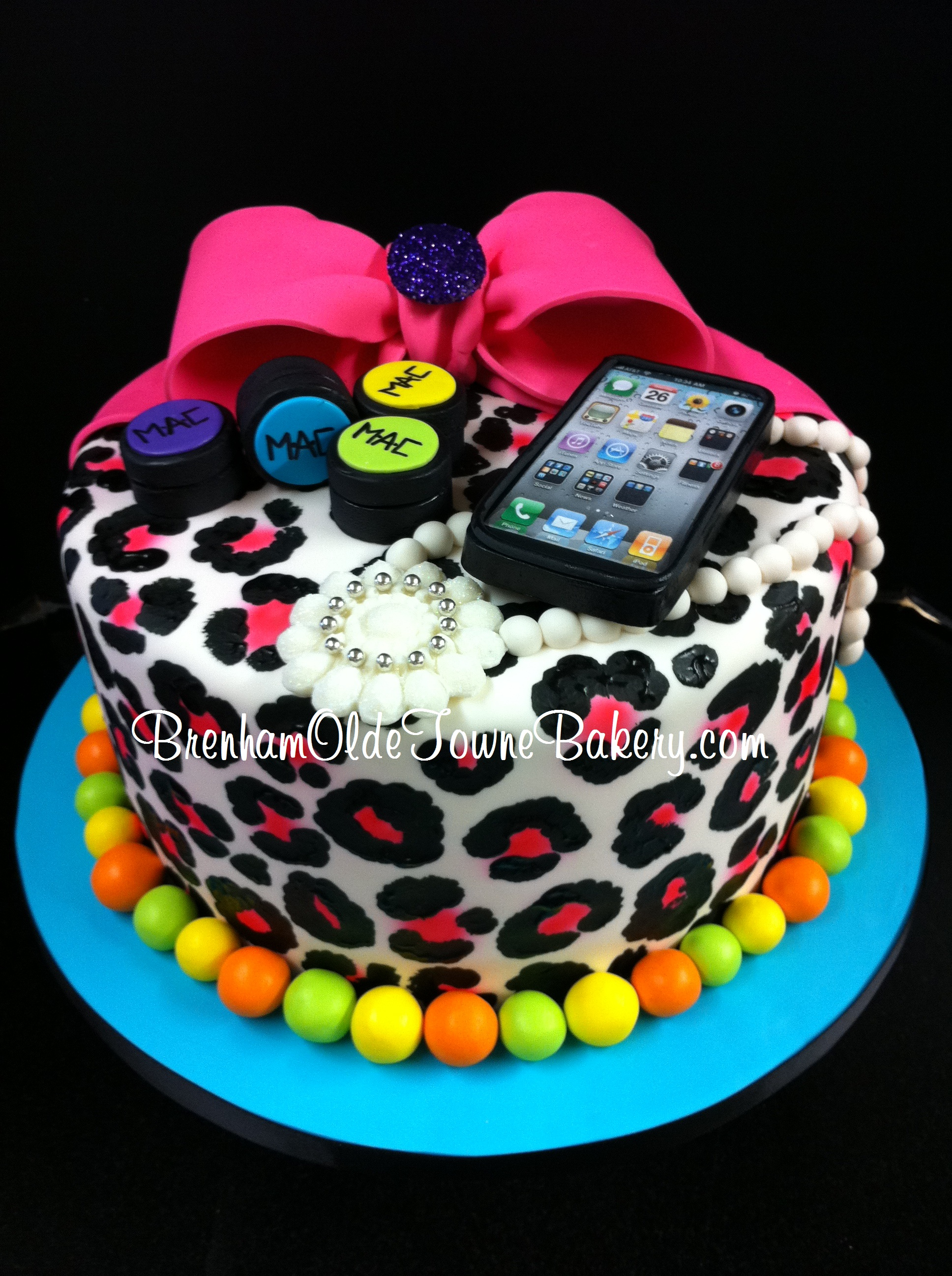 diva leopard print birthday cake Brenham Olde Towne Bakery